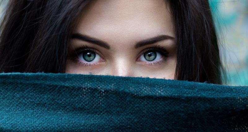 Eyelid serum